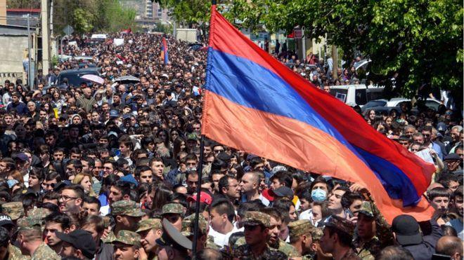 Что происходит в Армении? Что это за победившие протестующие? У кого теперь власть?
