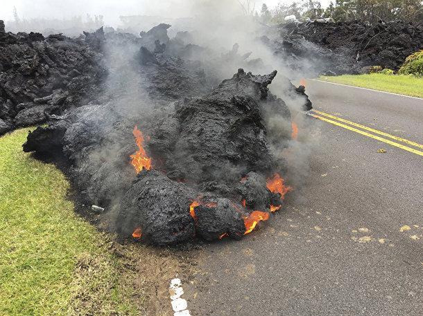 НаГавайях из-за извержения вулкана эвакуировали около 2 тысяч человек