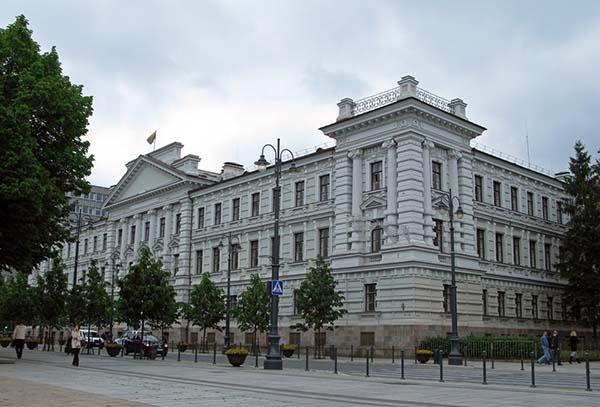 В сейме Литвы спор по поводу идеи обнародовать фамилии признавшихся в сотрудничестве с КГБ