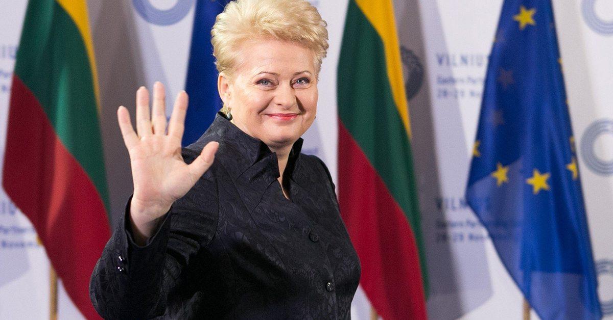 На президентских выборах в Литве побеждает экономист Гитанас Науседа .