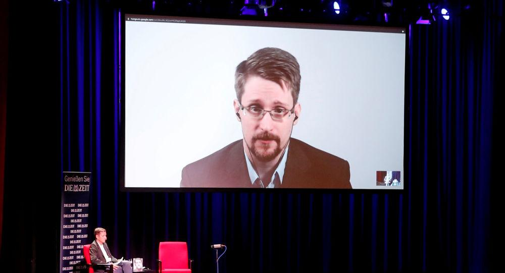 США подали иск против Эдварда Сноудена из-за его свежей  книги